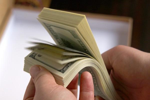 EUR/USD este la minumul ultimilor 4 ani! Este momentul sa cumparam dolari?